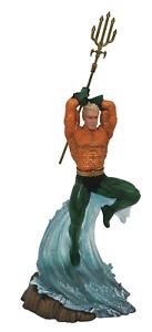 DC Comics Gallery Aquaman Statue Diamond Select