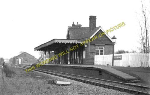 Wickford Woodham Ferrers. 1 Battlesbridge Railway Station Photo