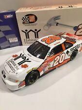 1//18 TONY STEWART #20 HOME DEPOT HABITAT FOR HUMANITY ROOKIE 1999 ACTION NASCAR