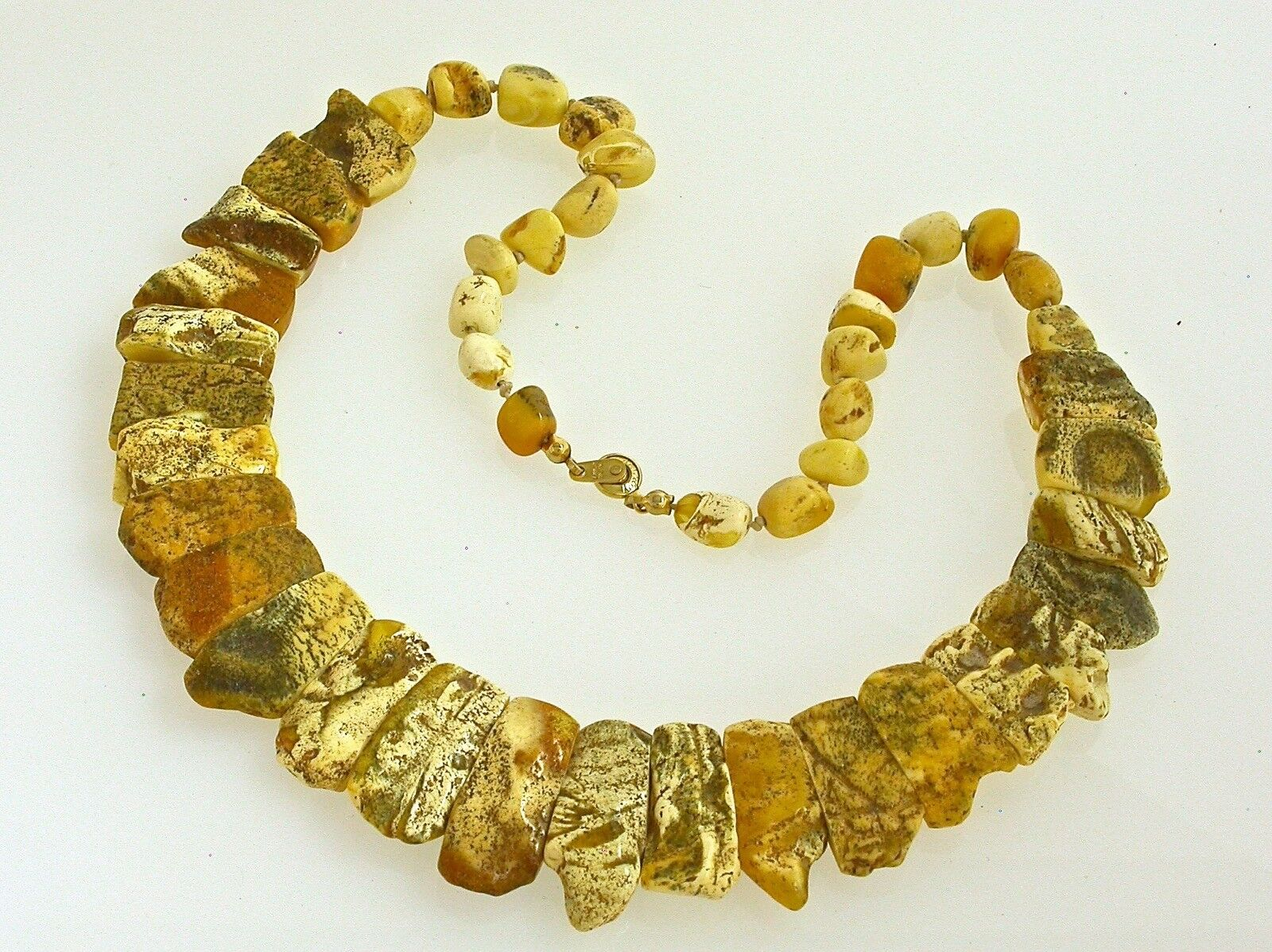 Vintage Natural Baltic Amber egg yolk butterscotch necklace choker (col001)