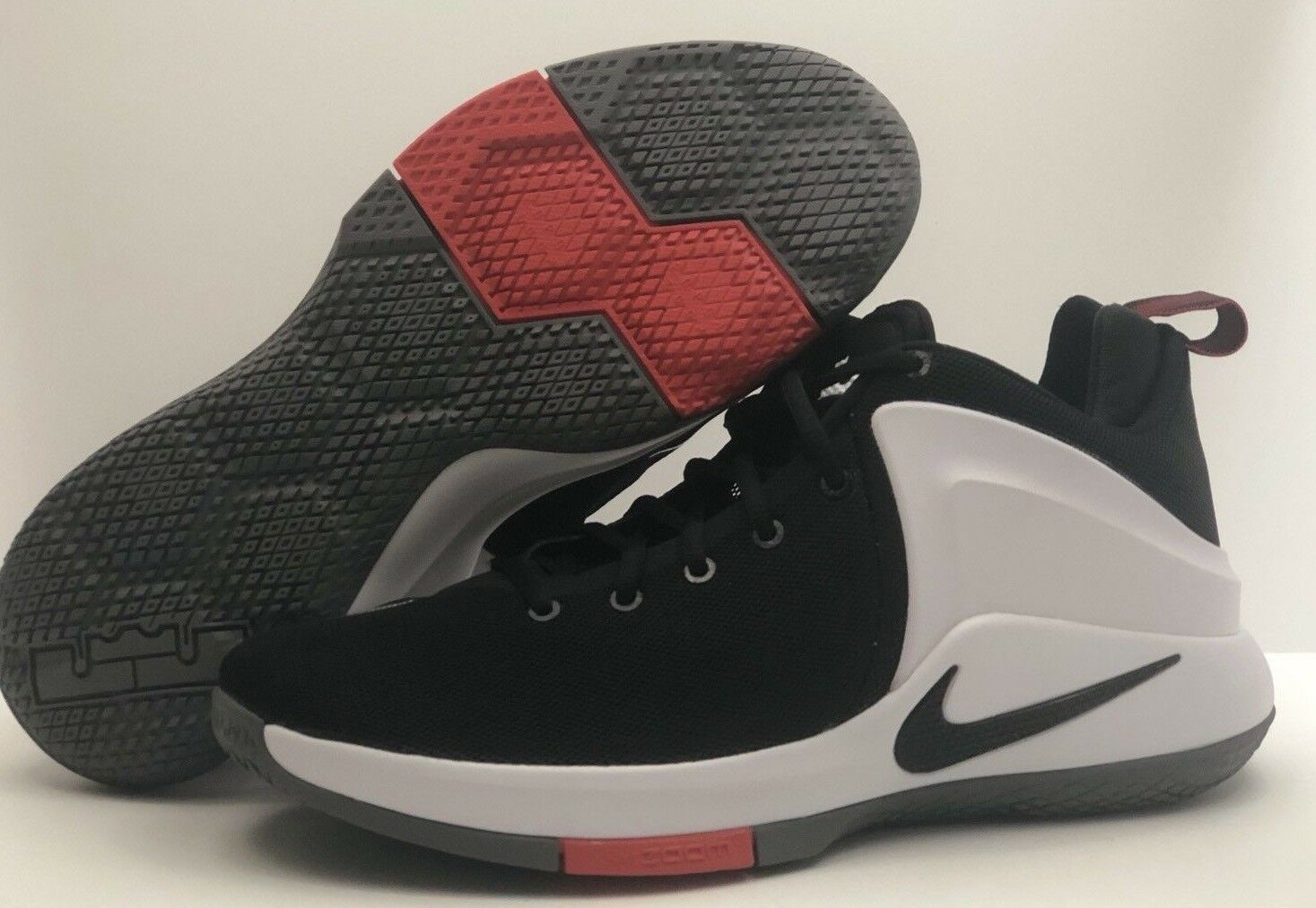 f18ebcdaffb21 Nike Zoom Witness Witness Witness LeBron James Men s Shoes Black White Red  Size 10.5  NEW  c789a6