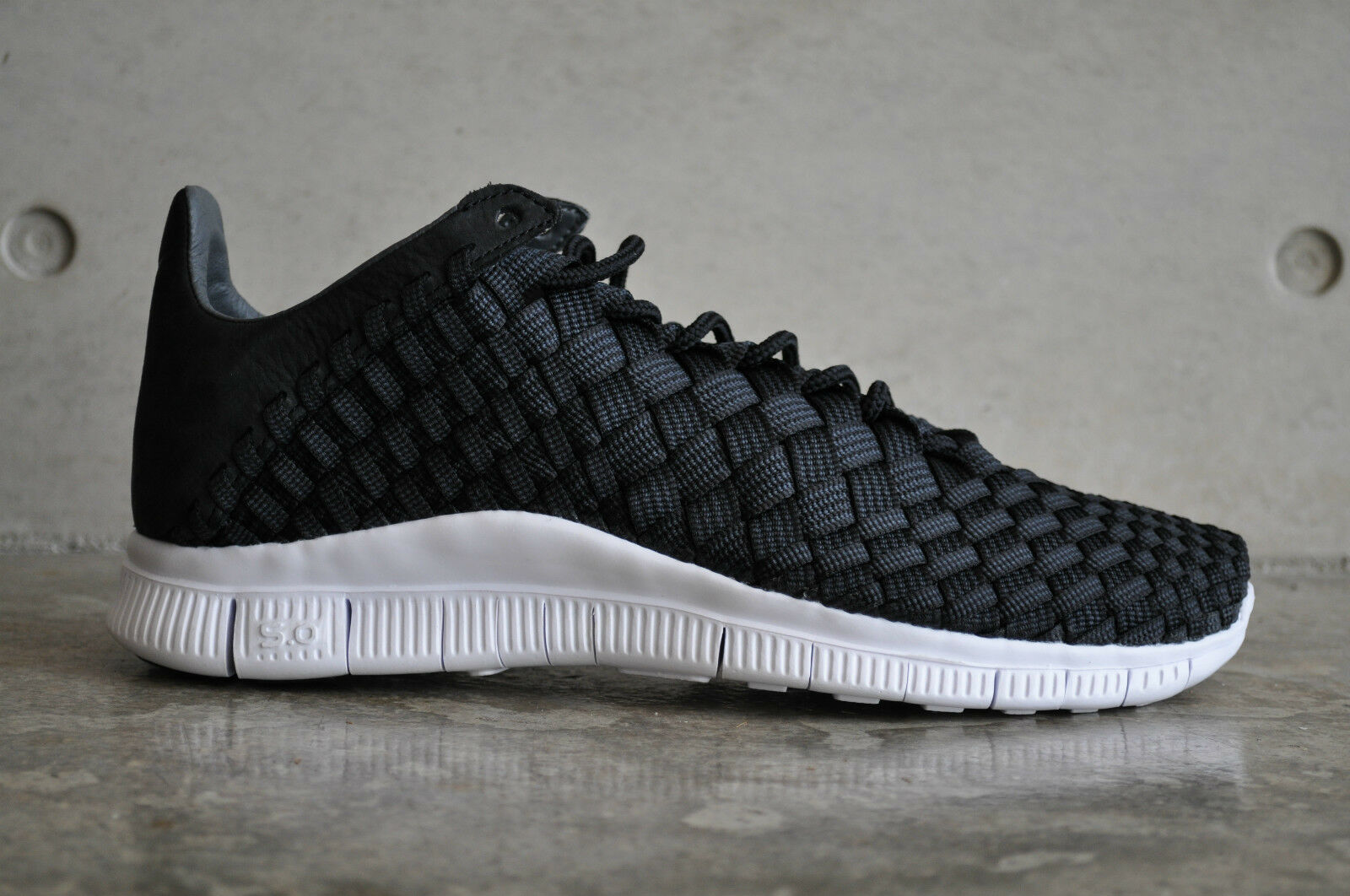 Nike Free Inneva Woven - Black Summit White-Anthracite