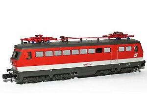 Arnold-ref-HN2229-Locomotora-Diesel-Reihe-1046-023-6-OBB-epoca-IV