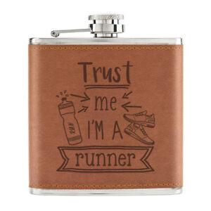 Trust-Me-I-039-M-A-Chemin-170ml-Cuir-PU-Hip-Flasque-Brun-Worlds-Best-Prefere-Blague
