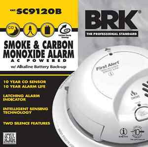 Lot of 4 First Alert BRK Smoke And Carbon Monoxide Alarm AC Powered