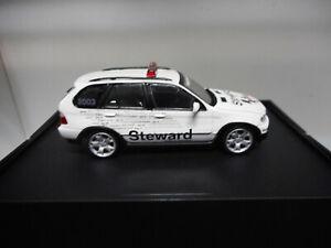 BMW-X5-E53-STEWARD-CAR-MOTO-GP-KYOSHO-1-43