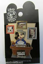 Disney Pin 33643 DLR National Bosses Day Mickey Mouse Pin
