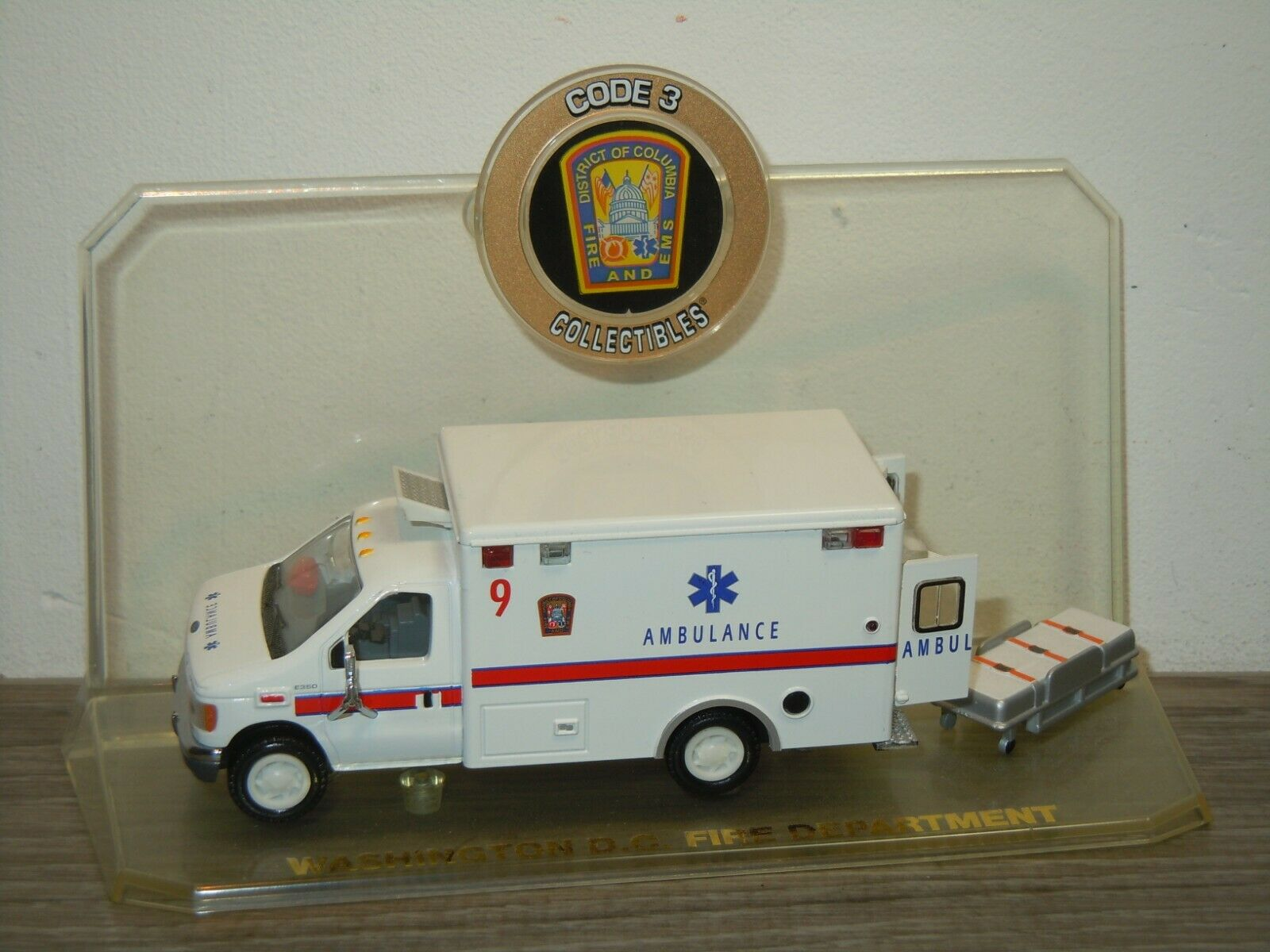 Ford Washington DC Fire DepartHommest - Code  3 Collectibles 1 64 37339  prix de gros