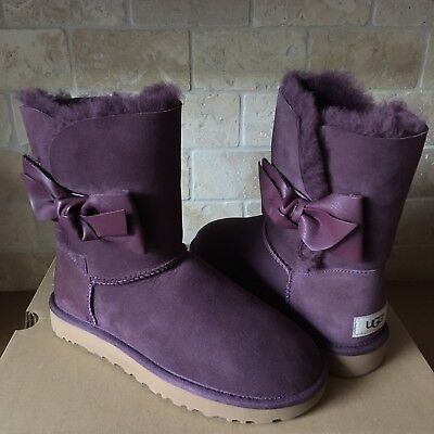 89183b420bd UGG Daelynn Port Leather Bailey Bow Suede Classic Short Boots Size US 7  Womens   eBay