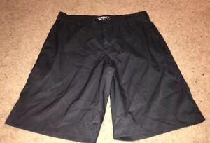 Men-039-s-Nike-Golf-Tour-Performance-Dri-Fit-Plaid-Shorts-Size-34-Black-Flat-Front