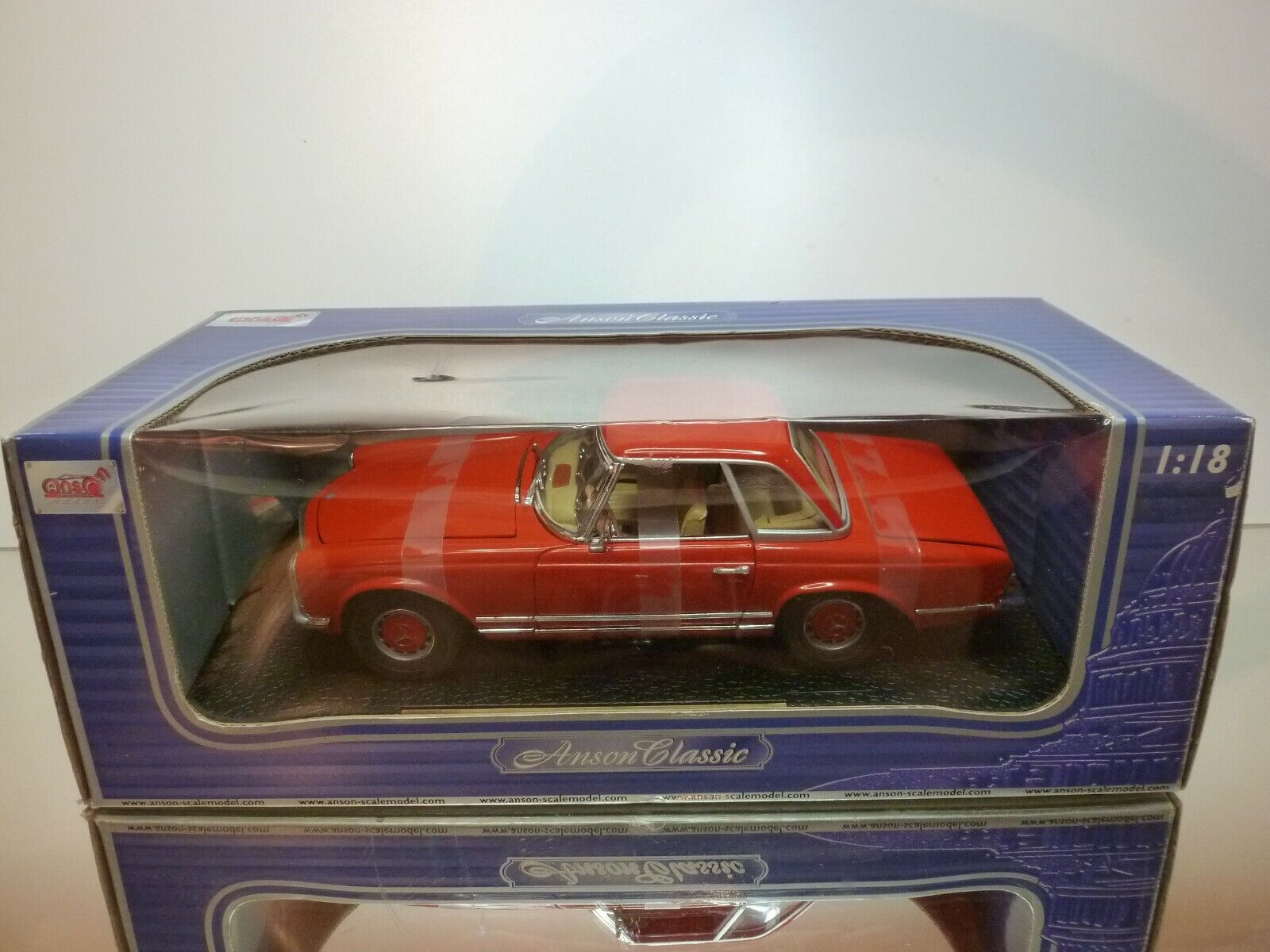 ANSON 30380 MERCEDES BENZ 280 SL - rouge 1 18 - EXCELLENT CONDITION IN BOX