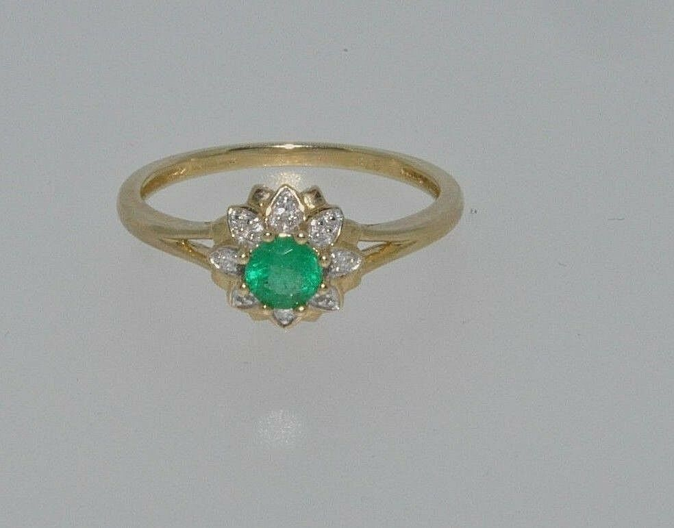 9ct gold emerald & diamond flower shaped cluster ring size L NEW