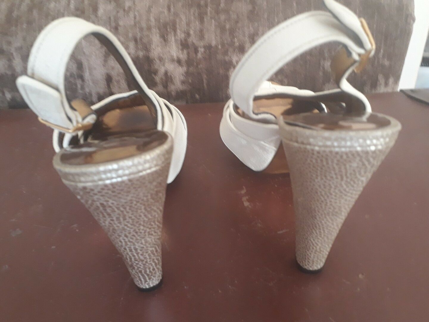 BARBARA BUI Sandales Damenschuhe 7 UK(40 EURO) Cream etc Leder with Gold Heels,Soles etc Cream 0eb4ec