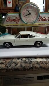 1968-Dodge-Charger-R-T-American-Muscle-1-18-Scale-Die-Cast-Metal-1-2502