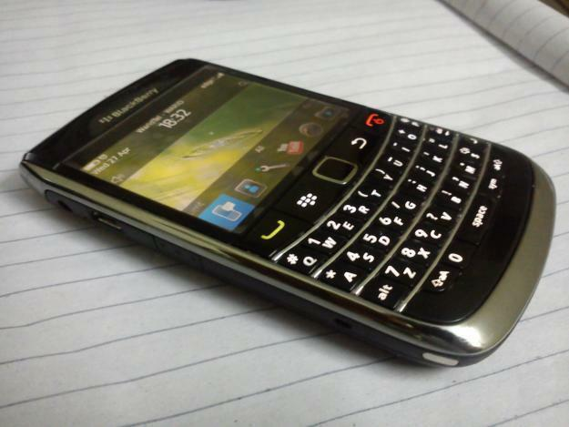 BLACKBERRY BOLD 9700/ 9780 - Black (Unlocked)+ Excellent + ON SALE !!!