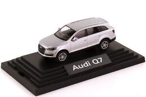 1-87-Audi-Q7-4-7-FSI-quattro-lichtsilber-silber-silver-Dealer-Edition-Wiking