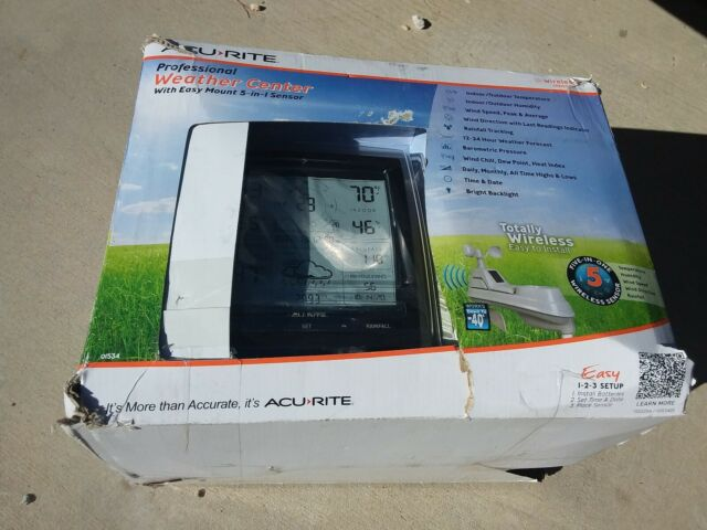 AcuRite Professional Weather Center w/ Easy Mount 5-in-1 Sensor  NEW