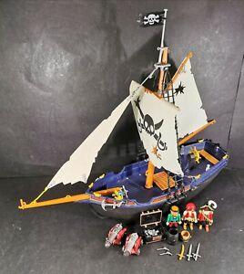 Playmobil-Corsair-bateau-pirate-5810-avec-figurines-et-accessoires