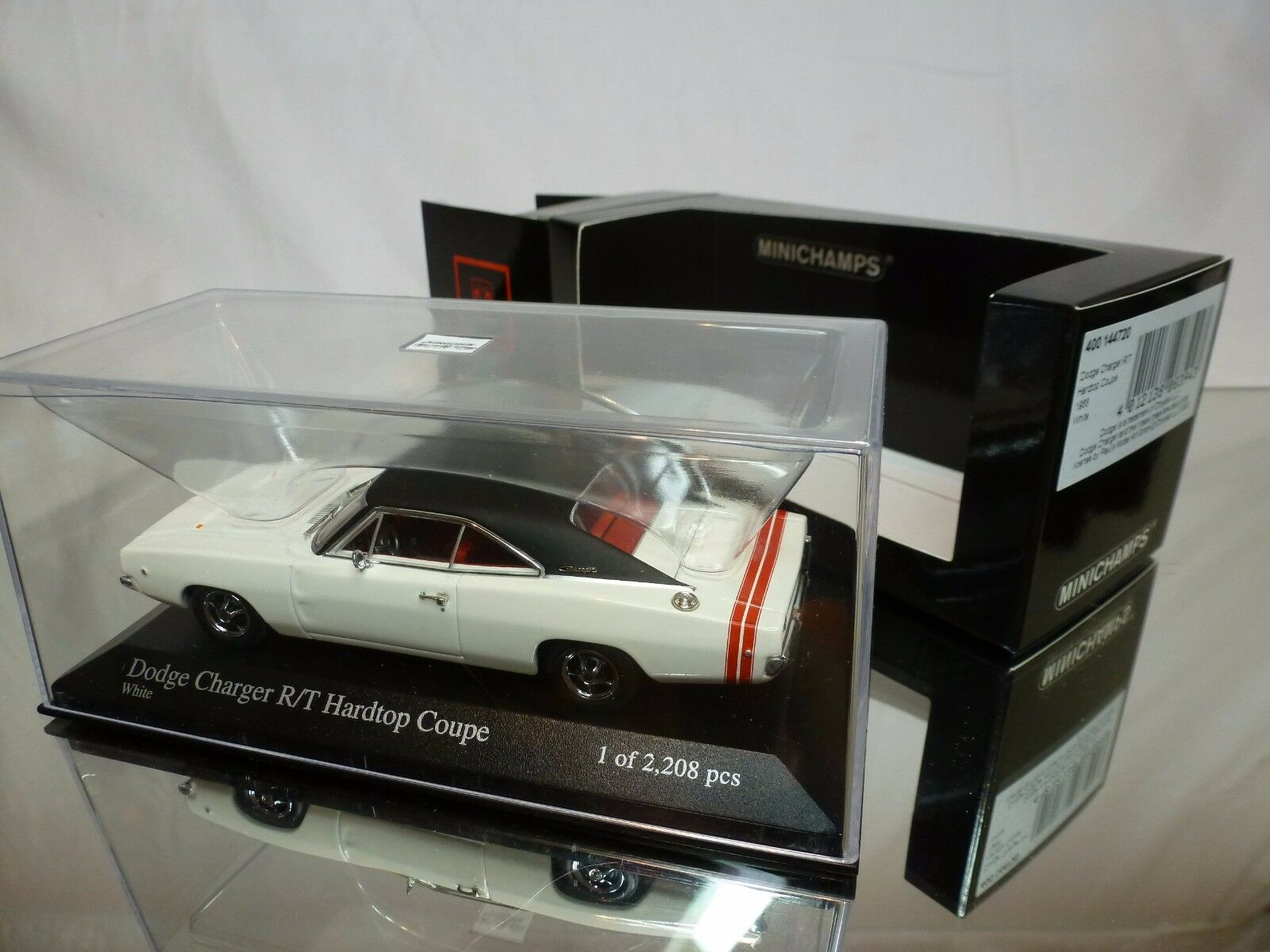 MINICHAMPS DODGE CHARGER R T HARDTOP COUPE 1968 - blanc 1 43 - EXCELLENT IN BOX