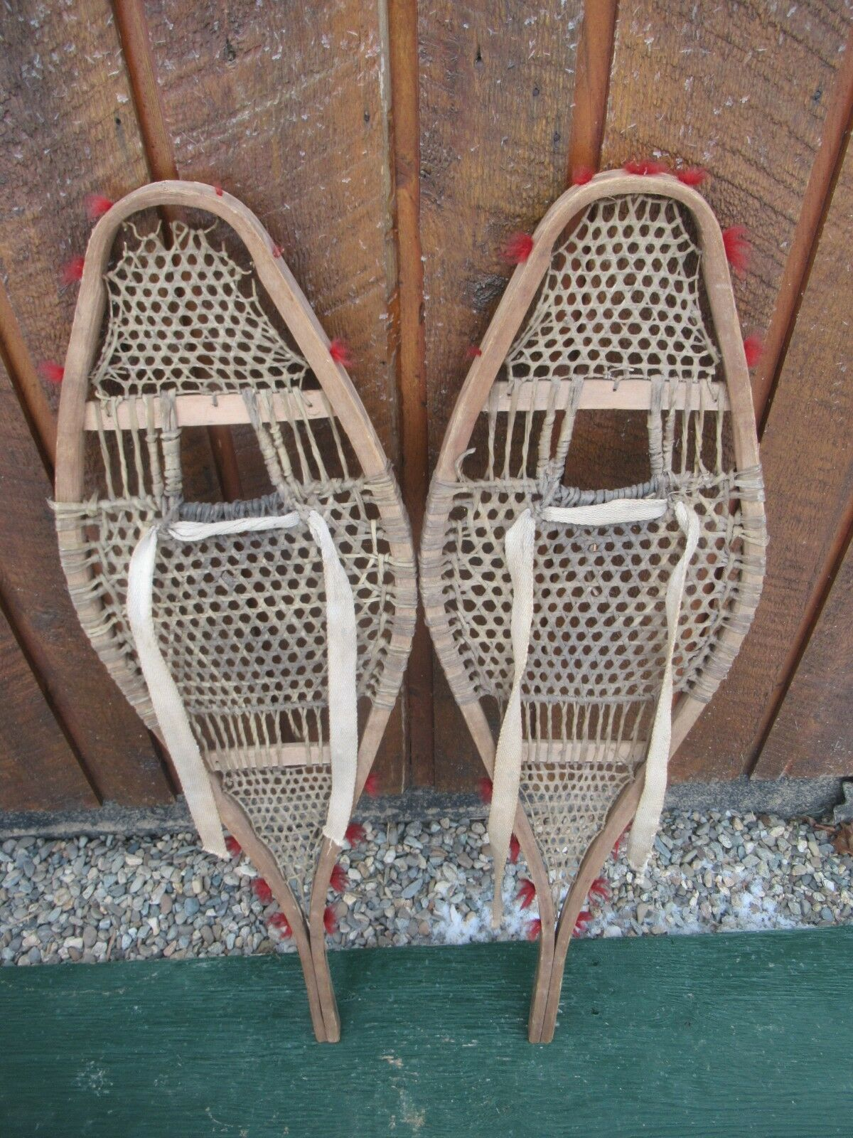 VINTAGE OLD Snowshoes 36 x 11 Snow shoes GREAT for DECORATION