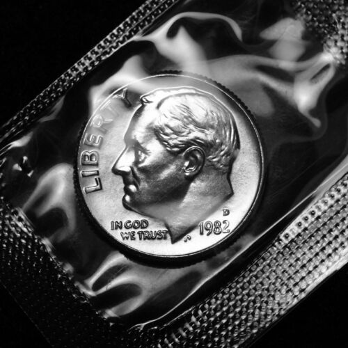 1982 D Roosevelt Uncirculated Dime ~ From Souvenir Mint Set in Cellophane