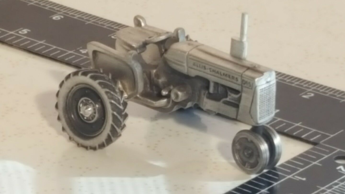 Allis Chalmers D15 in Pewter Pewter Pewter 1 43 farm tractor replica collectible by SpecCast 4b3eb1