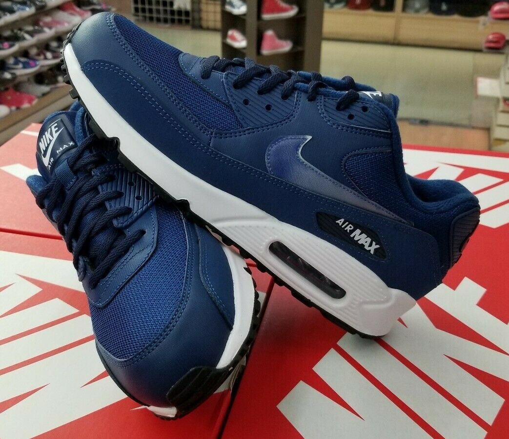 Men's Black White Nike Air Max 90 Essential 537384 082