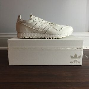 hot sale online 4e475 7be62 Image is loading Adidas-Consortium-New-York-Daniel-Arsham-CM7193-The-
