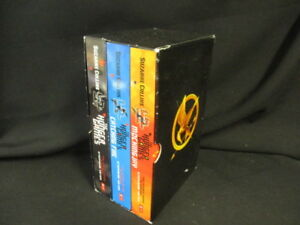 Very-G-The-Hunger-Games-Slipcased-Suzanne-Coll-9781407130293-Scholastic