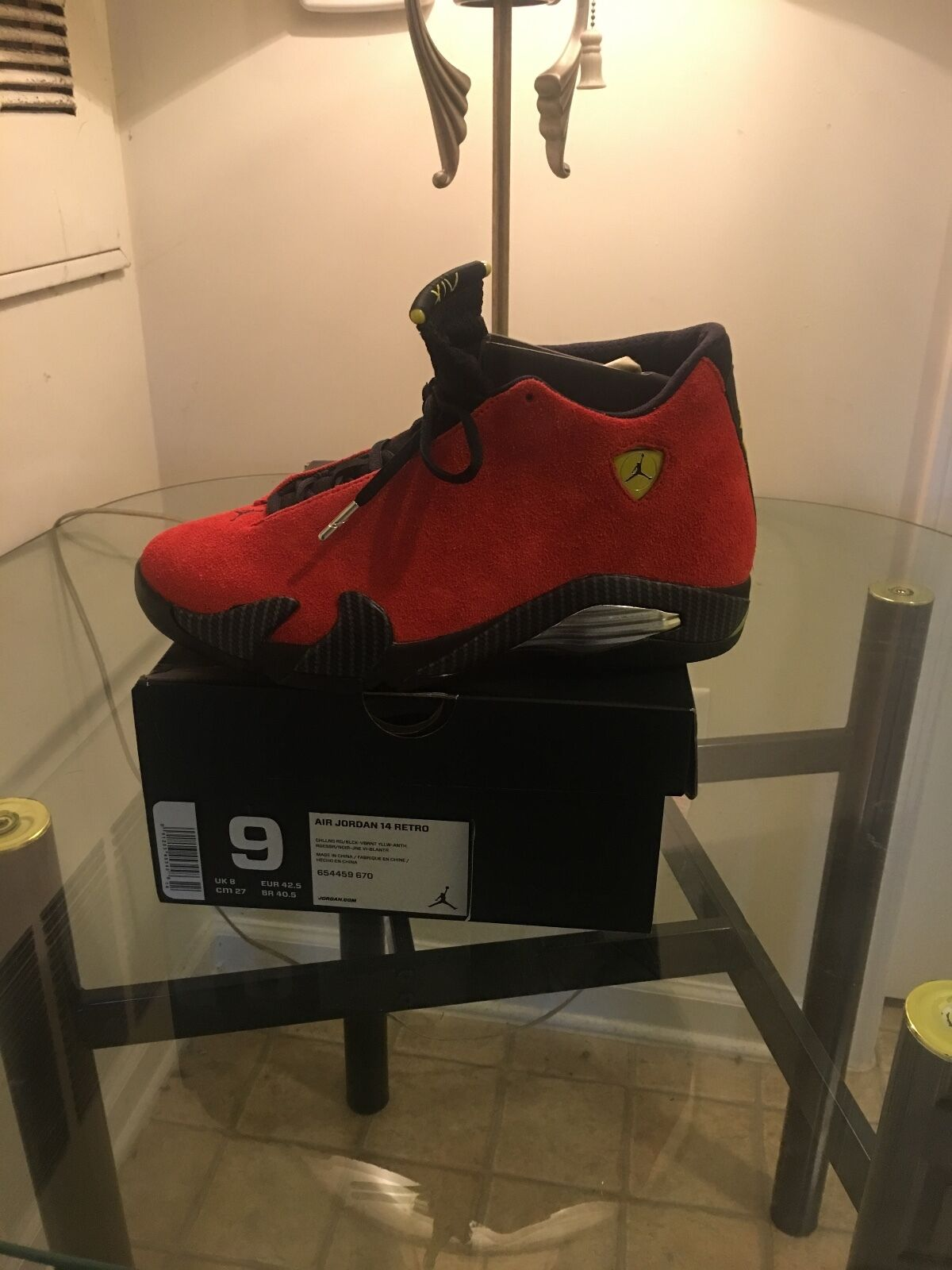 Men basketball shoes size 9 red 10-10