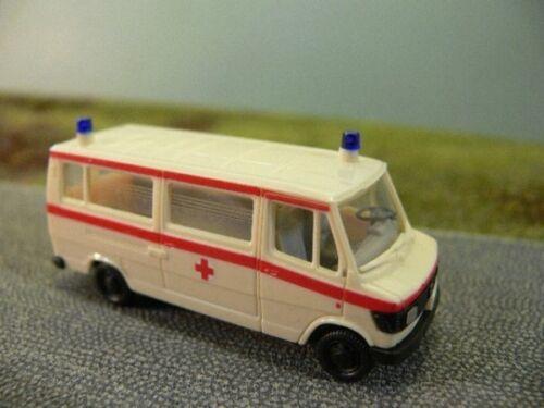1//87 Herpa MB 207 cruz roja rdc Bus