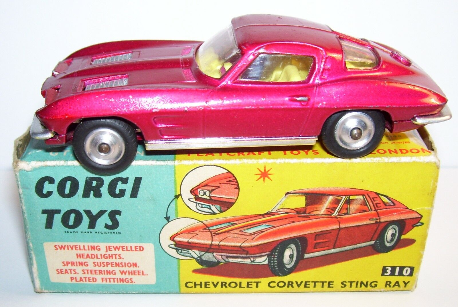 RARE CORGI TOYS CHEVROLET CORVETTE PHARES ESCAMOTABLES red METAL 310 1963 BOX