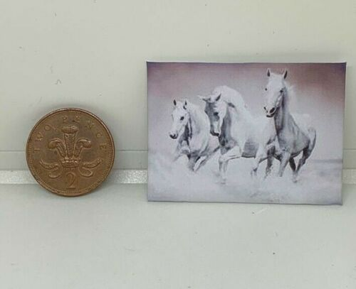 Fatto a mano in Miniatura Casa Delle Bambole Accessorio foto su tela stile cavalli in esecuzione