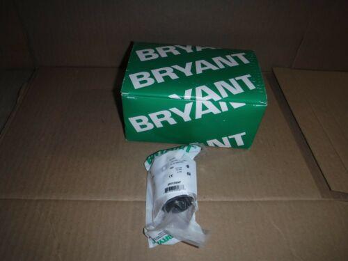 BRAND NEW LOT OF 10 BRYANT 15 AMP 125V PLUG 2P3W GROUNDING NEMA 5-15P BRY5266NP