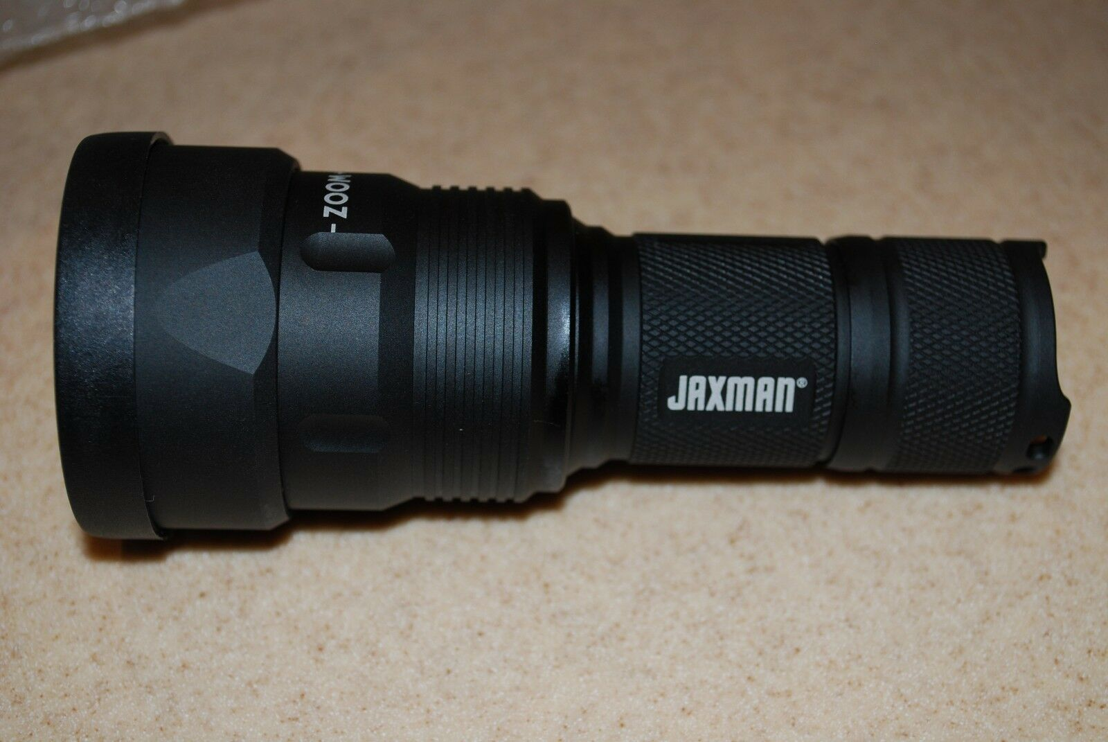 NIB JAXMAN Z1 Cree XM-L2  U2 Zoomable 1100lm 5 Modes Flashlight  preferential