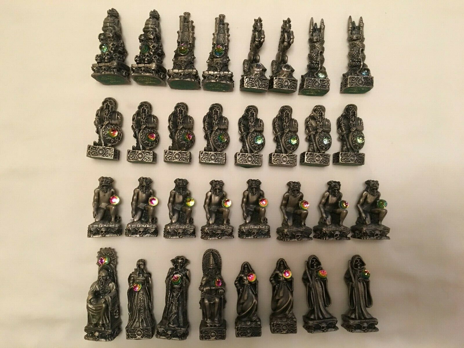 32 piece THE MAGIC CRYSTAL CHESS SET by GORHAM - Pewter w  crystals