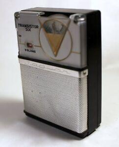 Jaguar 6T-250 Transistor Radio