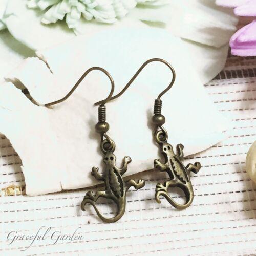 ER2751 Graceful Garden Vintage Style Bronze Tone Little Lizard Dangle Earrings