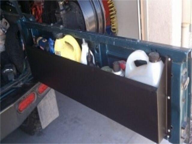 TailGator Storage Box for Suzuki Samurai  {RG552}