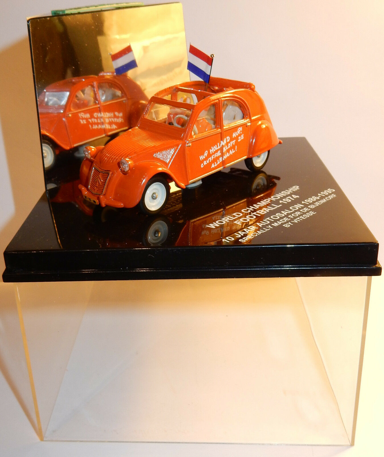 VITESSE CITROEN 2CV WORLD CHAMPIONSHIP FOOTBALL 1974 SALON AUTO 1986-1995 1 43