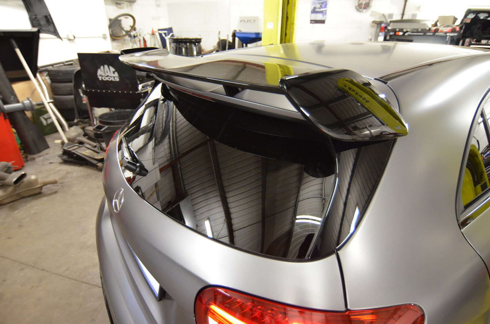 mercedes w176 a class amg a45 rear wing roof spoiler amg. Black Bedroom Furniture Sets. Home Design Ideas