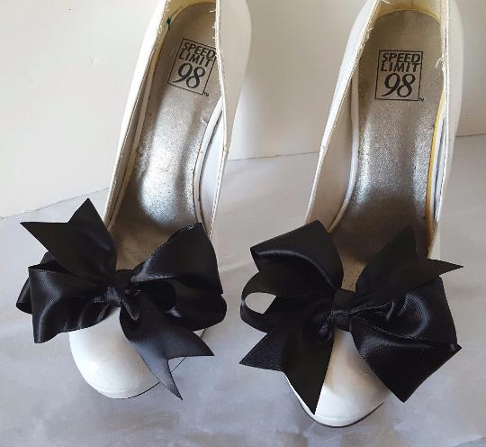 Shoe Clips, black shoe clips, shoe bows, shoes clips, black satin bows, clip ons