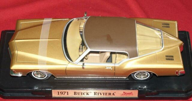 1971 Gold Buick Riviera 1/18 Scale DIECAST  Road Signature #925581 Perfect Mint