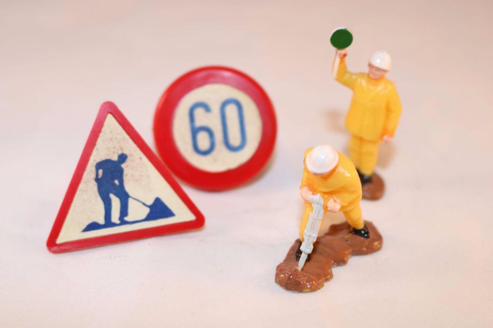 Dinky Toys 570A 570 A  Autgoldutes original figures workmen and traffic signs