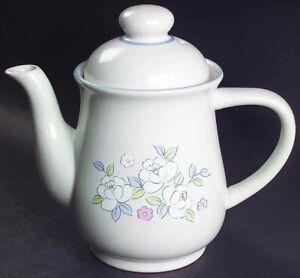 Chantilly Hearthside Stoneware Coffee Pot w/Lid Floral Fleur de Lune Japan NEW