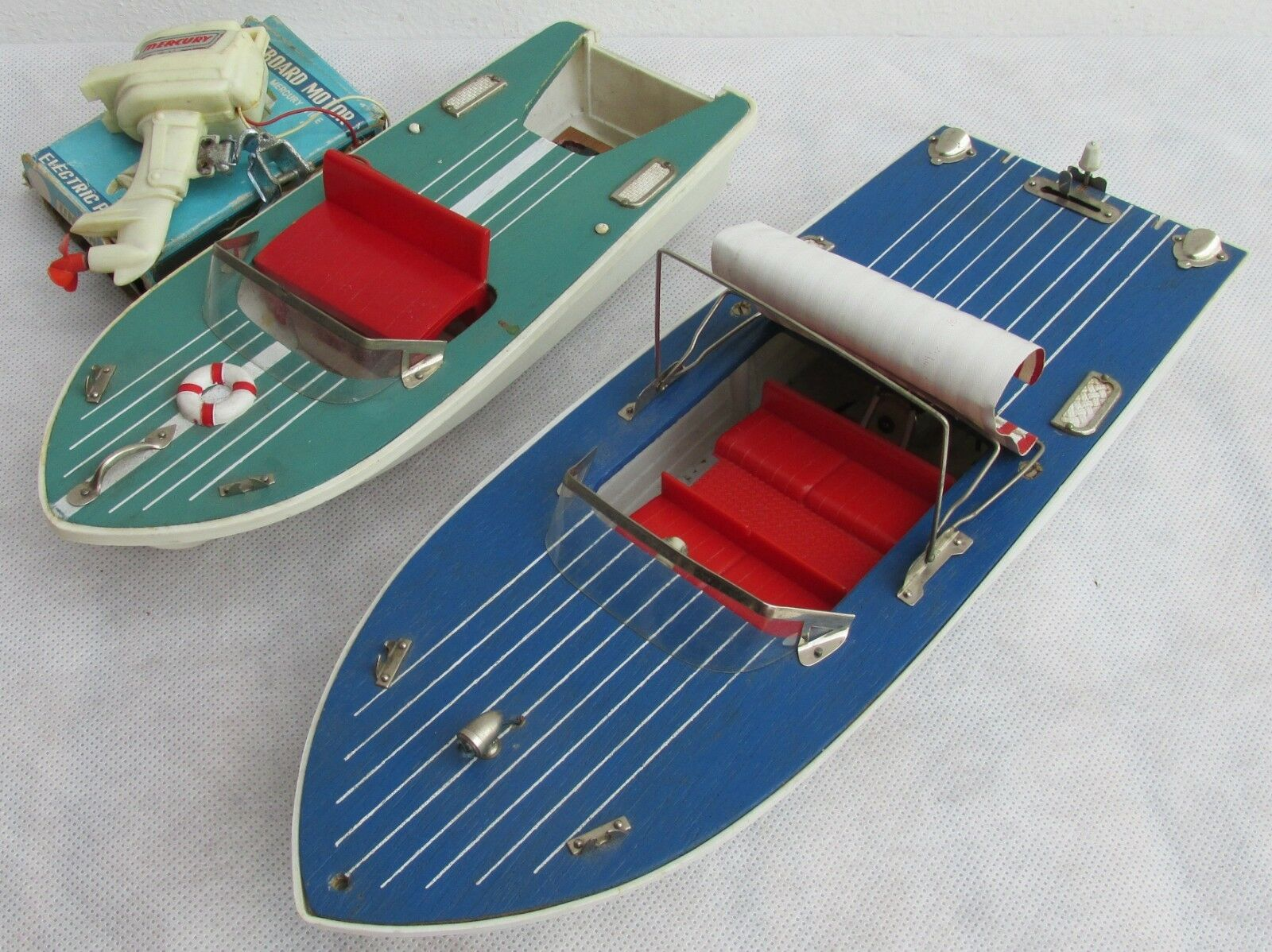 VINTAGE JAPAN SPEEDBOATS, NOT TESTED, OUTBOARD MOTOR, MOTORBOAT, BATTERY POWERED