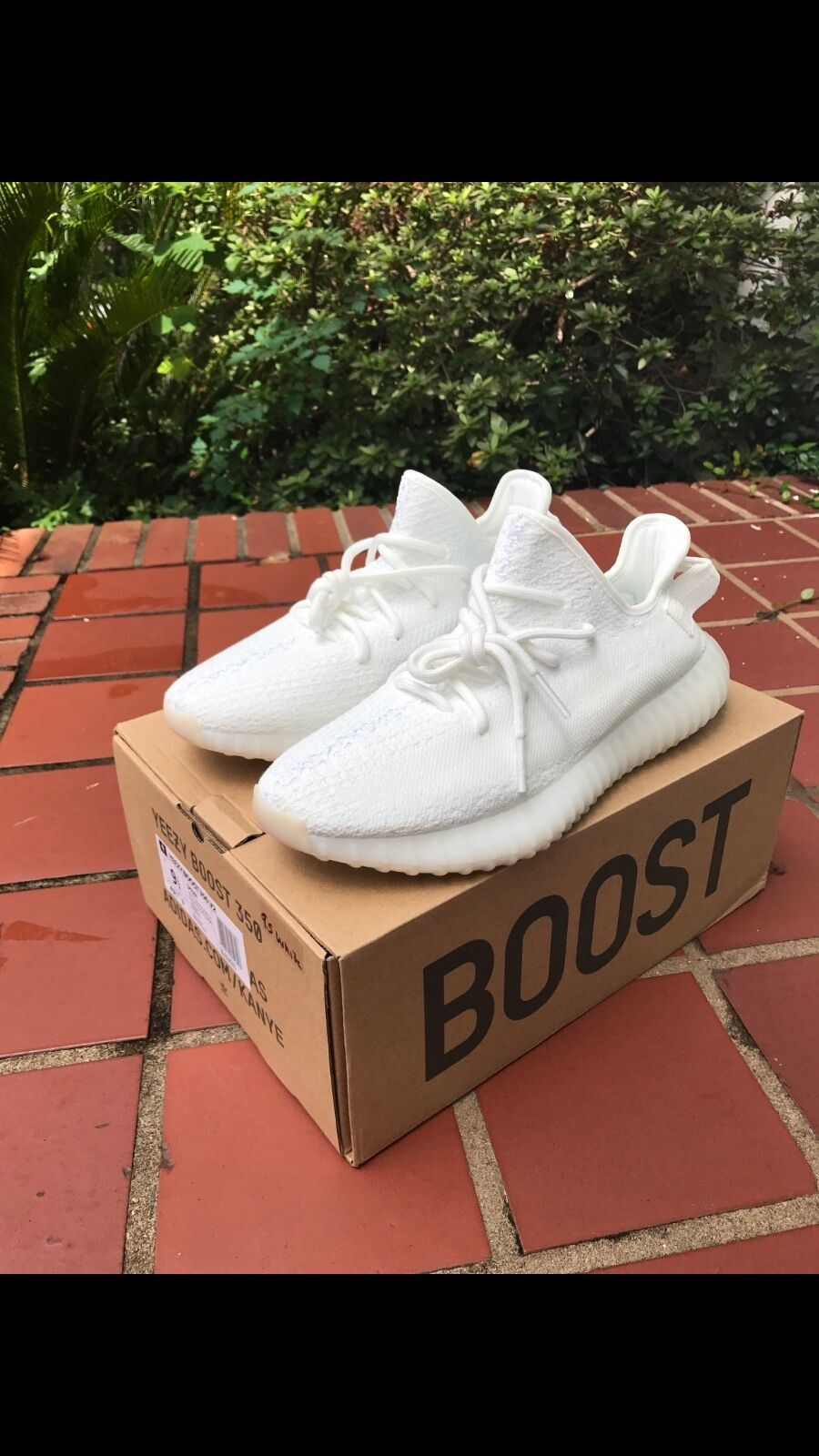Men's YEEZY BOOST 350 ALL WHITE SIZE 10 CREAM WHITE