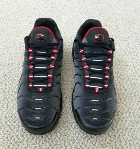 Nike Air Max Plus TN Black University Red Wolf Gre