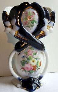Vase-porcelaine-de-Bayeux-Valentine-Lis-entrecroises-et-Bouquet-de-roses