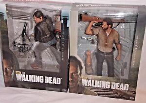 Walking Dead Mcfarlane Misb - Ensemble de figurines de luxe 10 po.   Daryl Dixon Rick Grimes Deluxe Action Figure Set